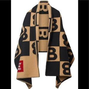 100% AUTHENTIC BURBERRY B motif wool blanket cape